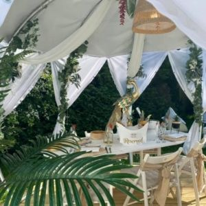 Cabana Poolside Dining at the Kings Oak